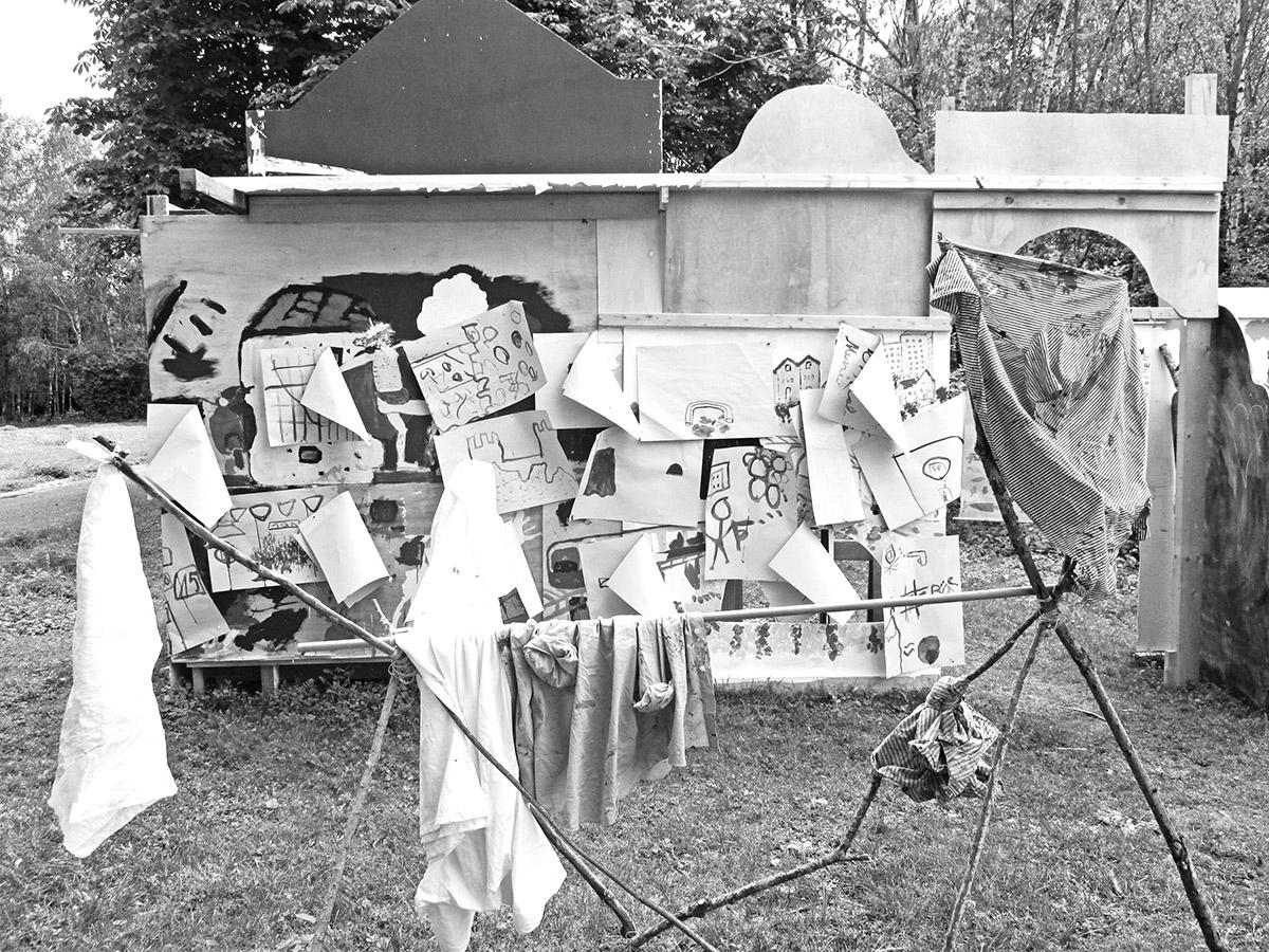 DER FAHRENDE RAUM | Ausschnitt Setting, Aktionsraum VagabundInnen Treff, Der Fahrende Raum, Foto: Alex Wissel -