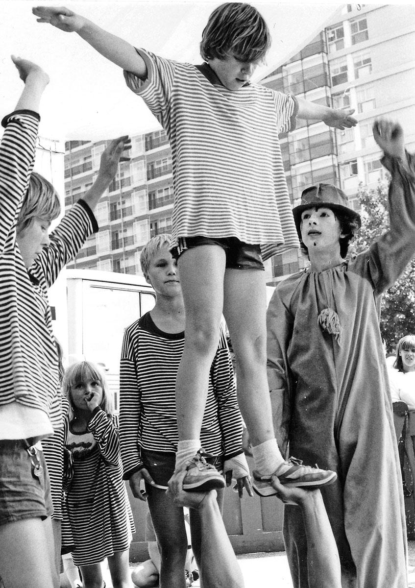 DER FAHRENDE RAUM | Zirkus Pumpernudl, Clownereien, PA, Holland 1981 -