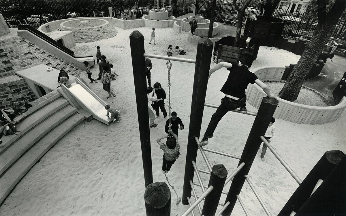 DER FAHRENDE RAUM | Adventure Playground, Central Park, courtesy Richard Dattner -