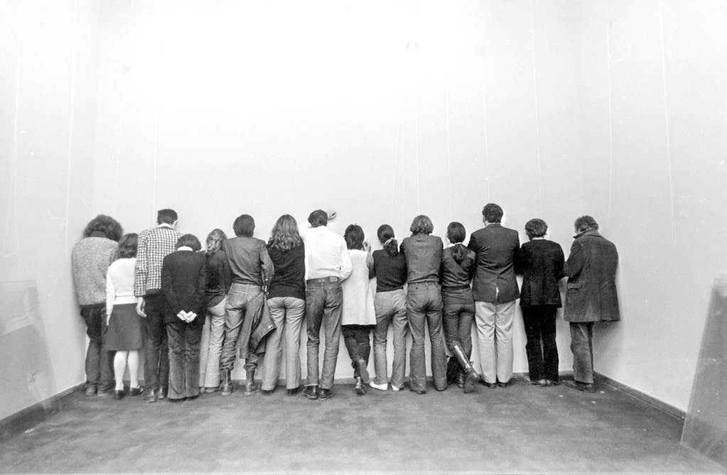 DER FAHRENDE RAUM | Six artists, nine art historians, Student Cultural Centre Gallery, 1972, photo: Milan Jozić, Courtesy: Student Cultural Center, M.Jozić -