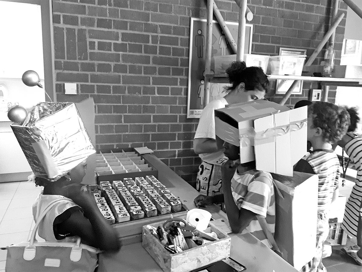 DER FAHRENDE RAUM | Zeitungswerkstatt der Cyborg Disco Party, Freizeittreff Freimann, Eva Egermann und Der Fahrende Raum, im Rahmen der Cyborg Disco Werkstatt 2018 -